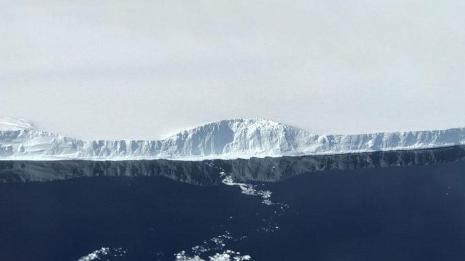 NASA released wonderful close-up images of the giant new iceberg in Antarctica