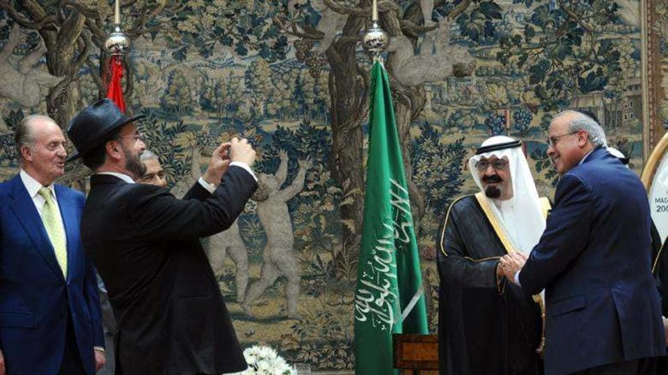 Saudis, allies discuss Iran ahead of Arab League meeting