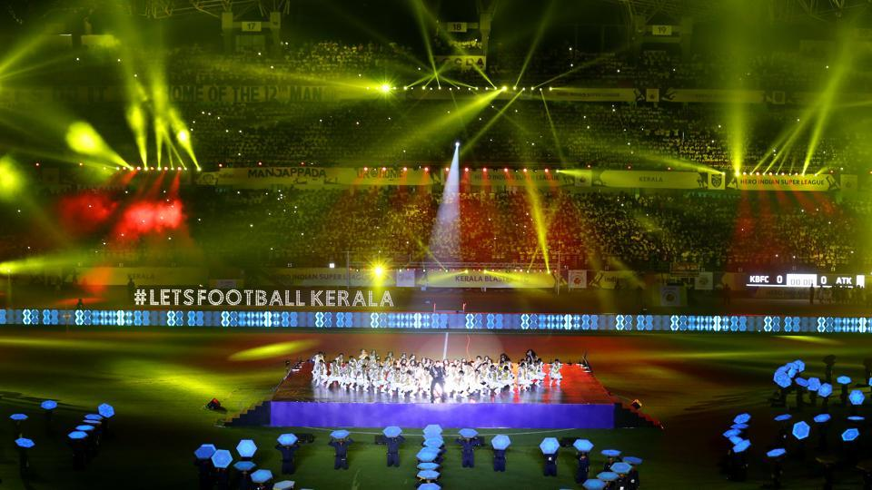 The light and sound at the stadium also entertained the spectators present. (ISL / SPORTZPICS)