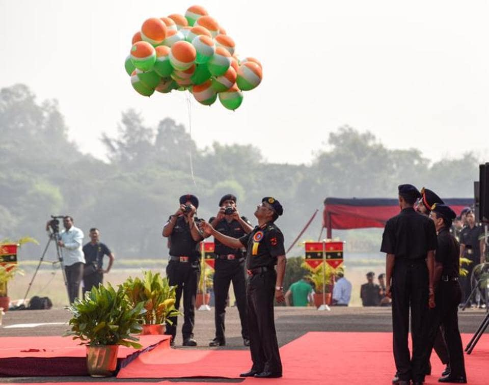 Manoj Pande, the Chief of Staff of Southern Command, releases the tri-colour balloons at the opening ceremony of the Southern Star Horse Show, 2017 at Pune Race Course on Thursday.  (Sanket Wankhade/HT PHOTO)