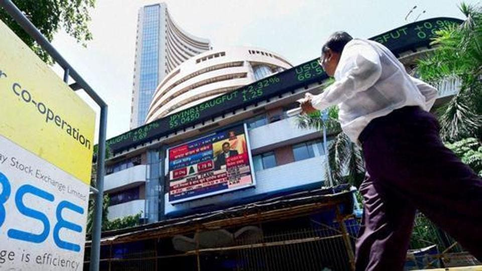 The 30-share Sensex soared to the day's high of 33,520.82, but profit-taking activity towards the end in heavyweights made the index settle at 33,342.80, up 235.98 points, or 0.71%.