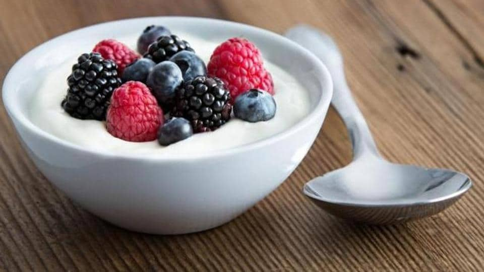 Probiotics like yoghurt are beneficial in losing excess weight.