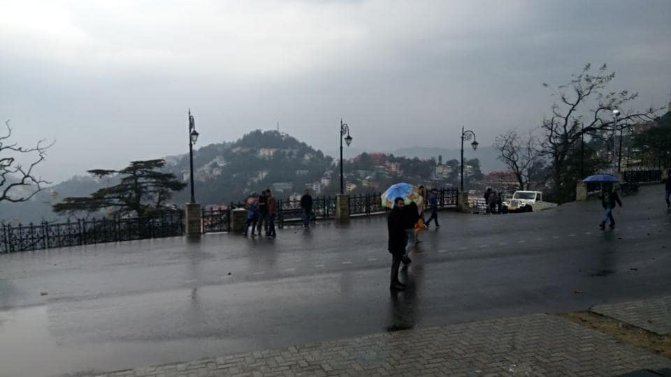 The minimum temperature in Shimla was recorded with degree 7.1°C on Saturday. (HT Photo)