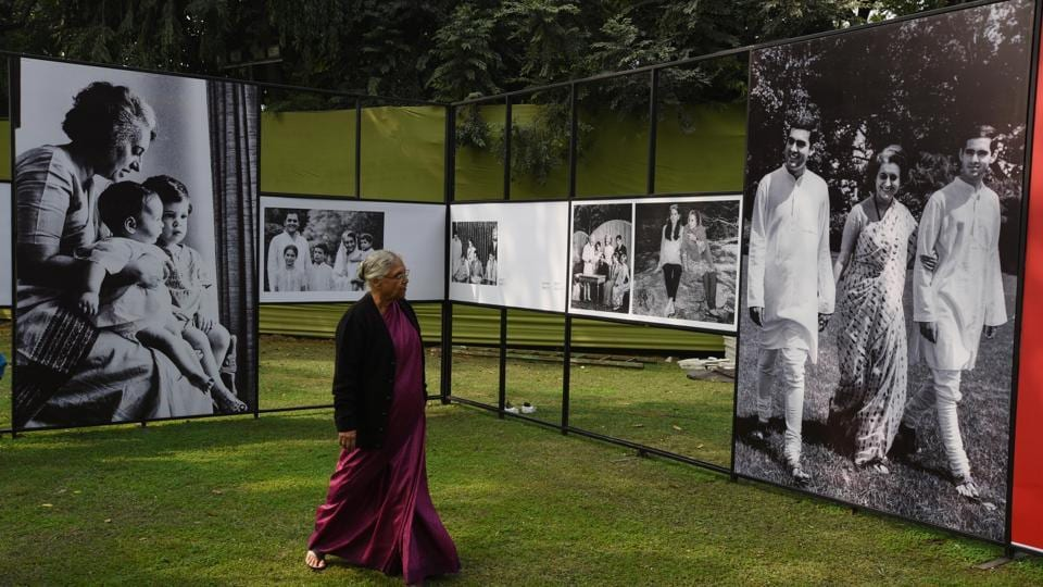 Former Delhi CM, Sheila Dikshit seen during a preview of an exhibition of rare photographs of Indira Gandhi ahead of her centenary at Indira Memorial Safdarjung Road in New Delhi on November 17, 2017. (Vipin Kumar / HT Photo)