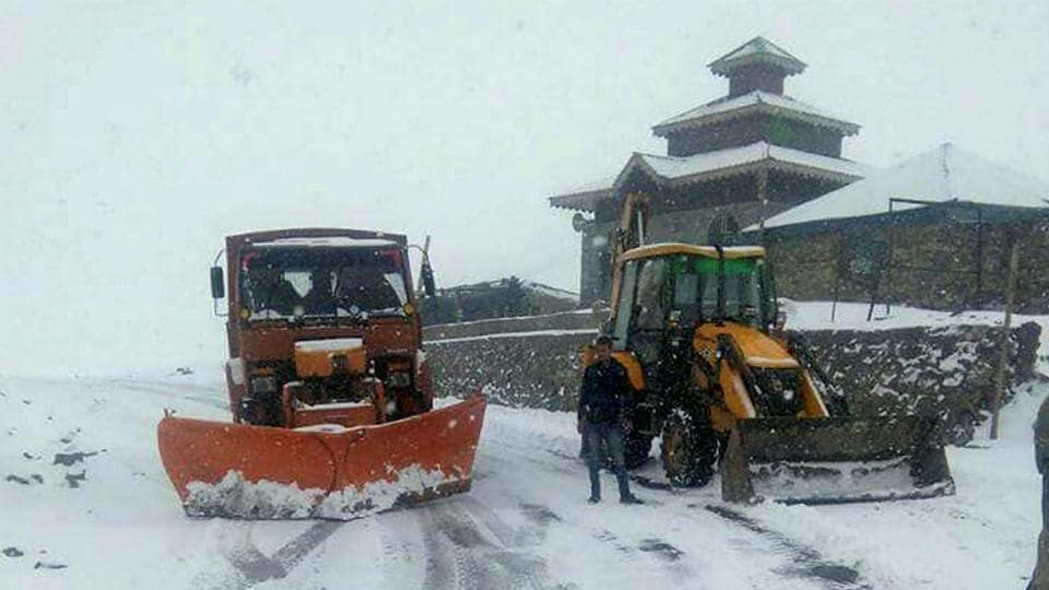 Snowfall,Jammu and Kashmir,Srinagar-Leh highway