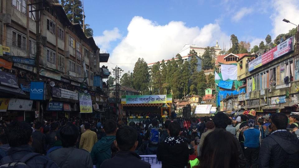 The first public meeting of the Tamang faction of the GJM drew around 5000 people in the heart of Darjeeling on Sunday.