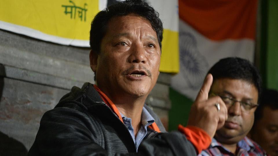 Bimal  Gurung and Roshan Giri  (right) were suspended from Gorkha Janmukti  Morcha on Monday by the Benoy Tamang  faction.