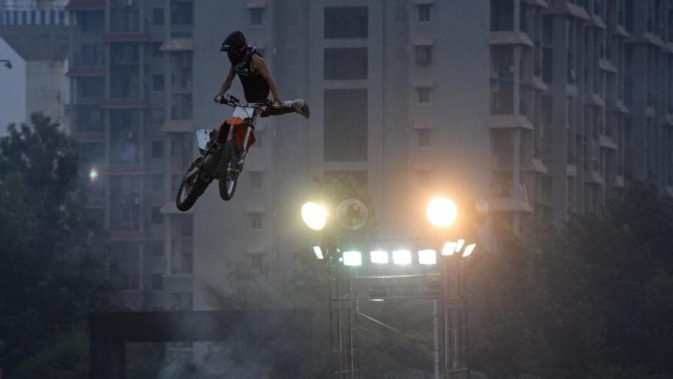 There were also some riders who 'freestyled' before the actual racing event started. (Pratham Gokhale/HT Photo)