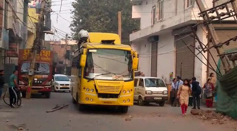 The school bus that came in touch with electricity wires .