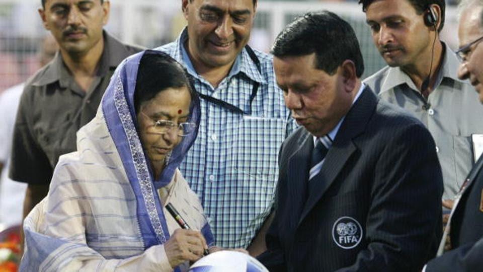 Priya Ranjan Dasmunsi,All India Football Federation,Congress