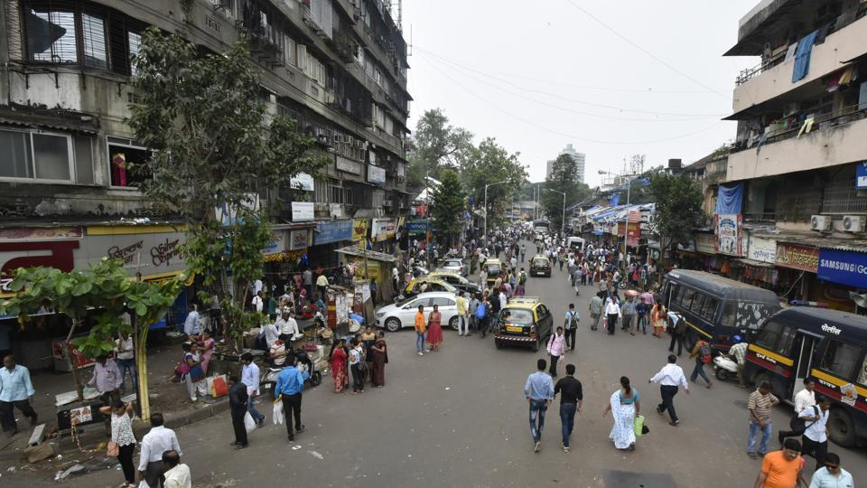 Mumbai,hawkers,railway stations