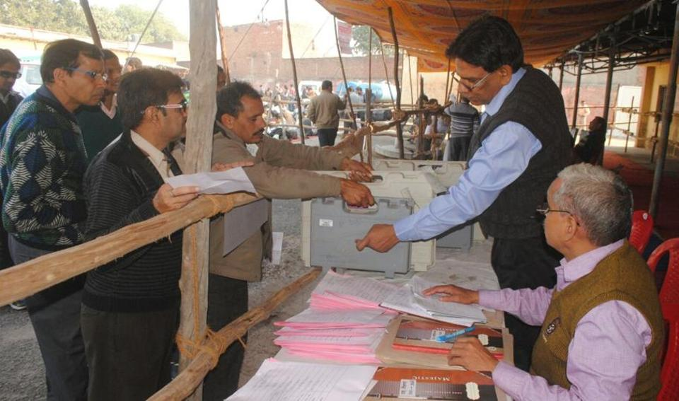 Civic Polls,EVMs,Nagar nigam