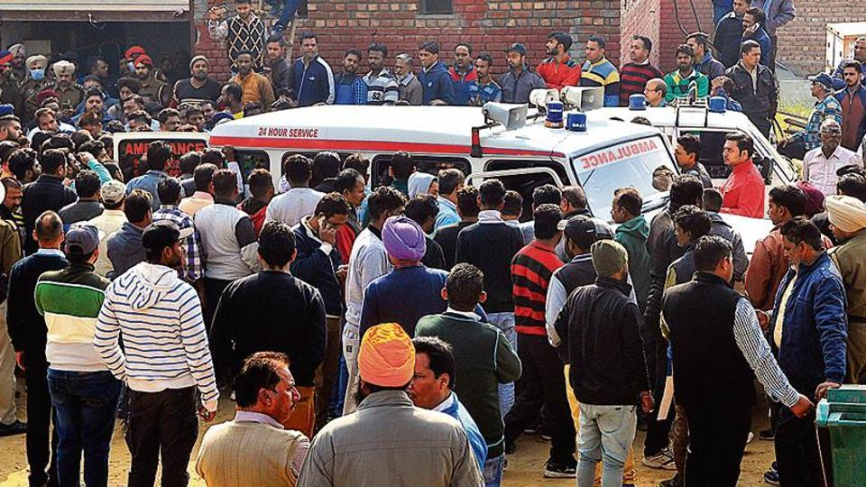 Ludhiana tragedy,Rescuers in shock,fire officer's head found