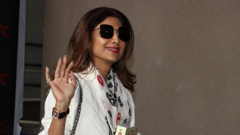 shilpa shetty to  e out with a cookbook in january