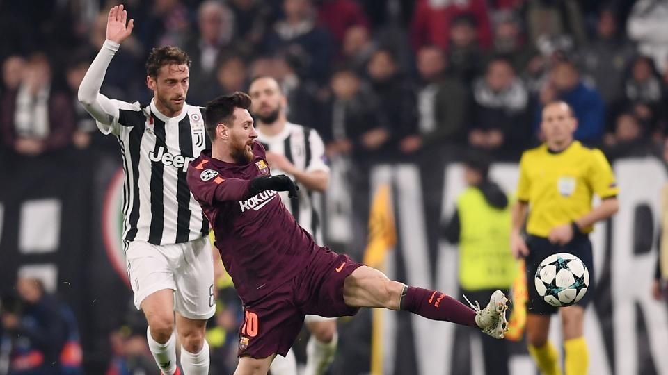 FCBarcelona allowed themselves the luxury of starting with Lionel Messi on the bench and still held out for a 0-0 draw at Juventus to reach the last 16 of the UEFA Champions League on Wednesday.