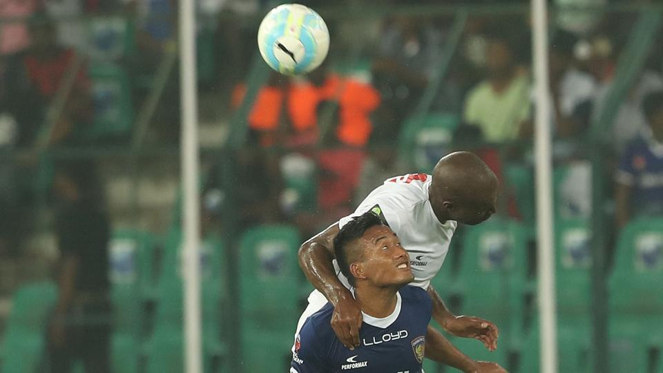 The home team pushed forward and looked likelier to score from the onset.  (ISL / SPORTZPICS)