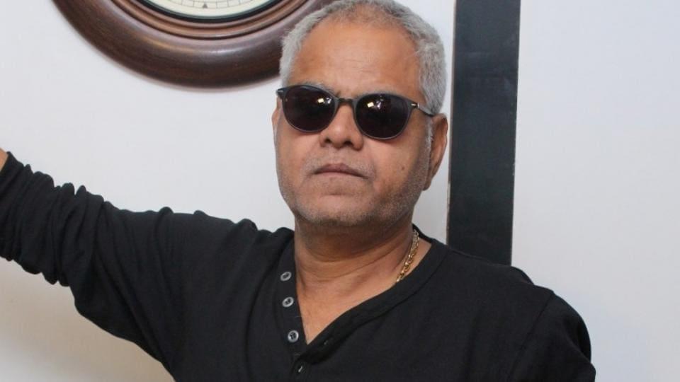 Sanjai Mishra plays an old blind man in Kadvi Hawa.