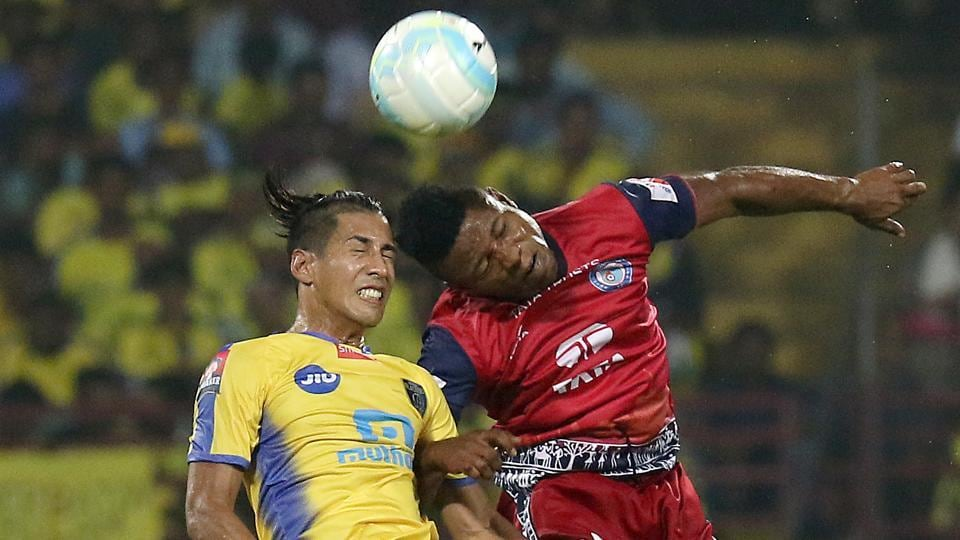 The game was a well-balanced affair between both sides that saw plenty of attacking intent.  (ISL / SPORTZPICS)