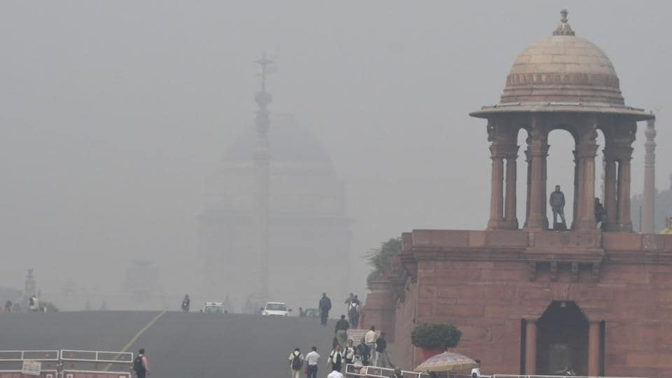 Government department buildings shrouded by heavy smog in New Delhi on November 16, 2017.