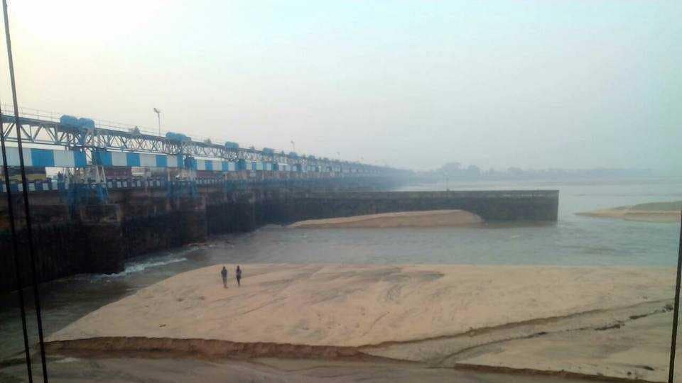The empty Durgapur Barrage attracted a lot of curious visitors on Saturday.