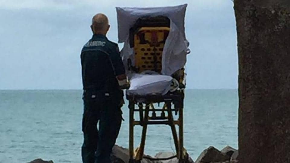 Photo Of Ambulance Crew Fulfilling Dying Woman's Last Wish Goes Viral