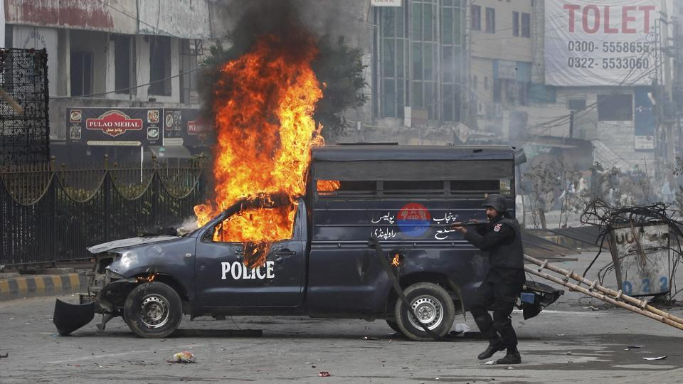 Violent clashes erupt between Pakistani police, Cleric's supporters as protests spread