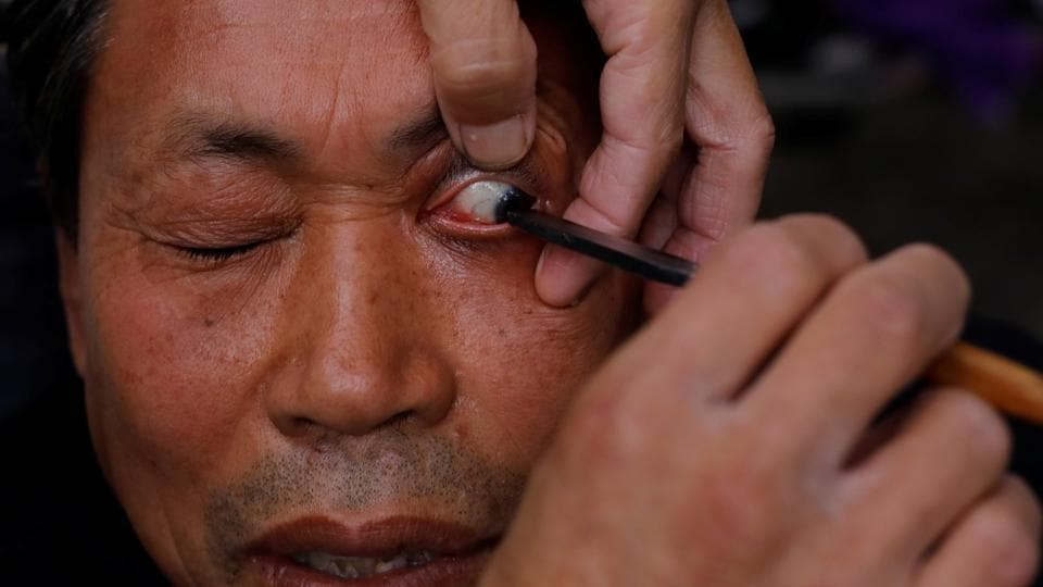 Xiong learned the technique in the 1980s and serves up to eight customers a week.