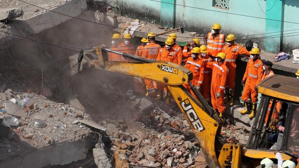 Thane: Illegal building crashes in Bhiwandi
