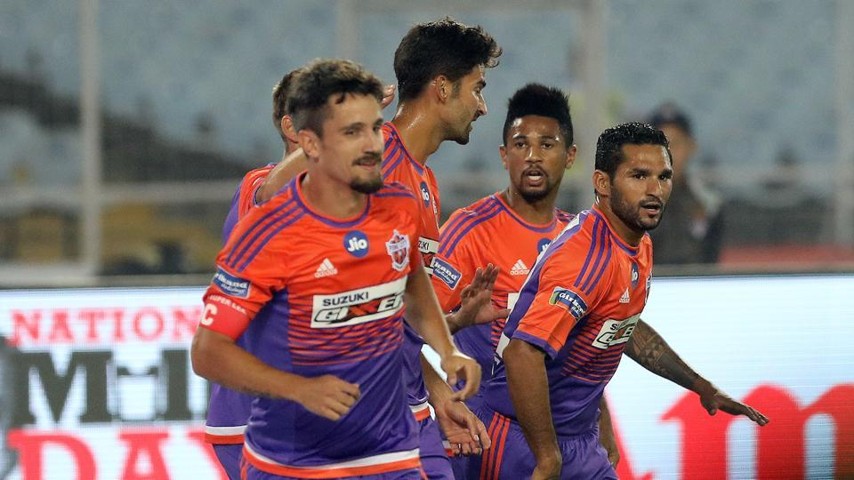 Marcelinho (L) scored from an Emiliano Alfaro in the first half after a defensive lapse by ATK. (ISL)