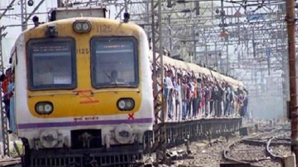 MUMBAI NEWS,MUMBAI TRAINS,TRAINS DISRUPTED