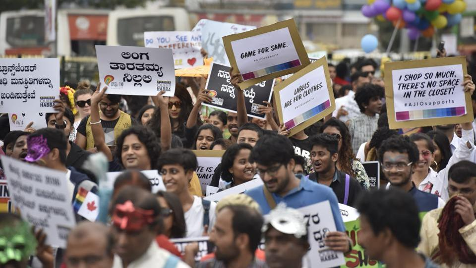 Supporters of the LGBT community along with activists  take part in the  pride march in Bengaluru on Sunday.  (Arijit Sen / HT Photo)