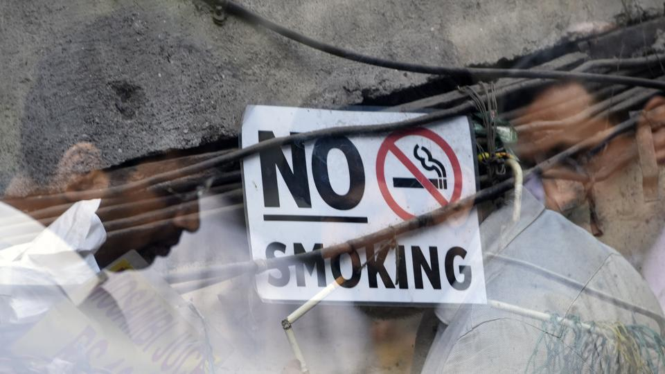 A shopkeeper was arrested on Sunday in Patel Nagar for allegedly selling cigarettes to minors after a 16-year-old boy