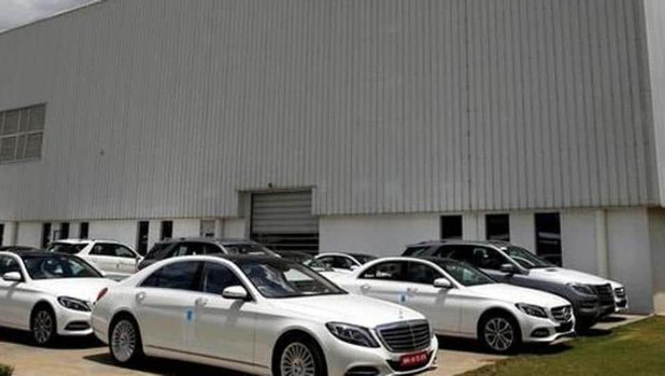 Image result for Mercedes car, Rs 12 lakh cash stolen from showroom