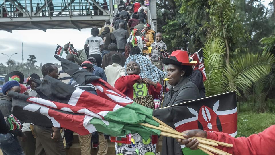 Teargas,Kenyatta,Uhuru Kenyatta