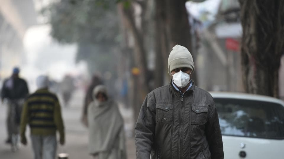 The Delhi government advised citizens to avoid going out for morning walks and polluted zones during peak hours.