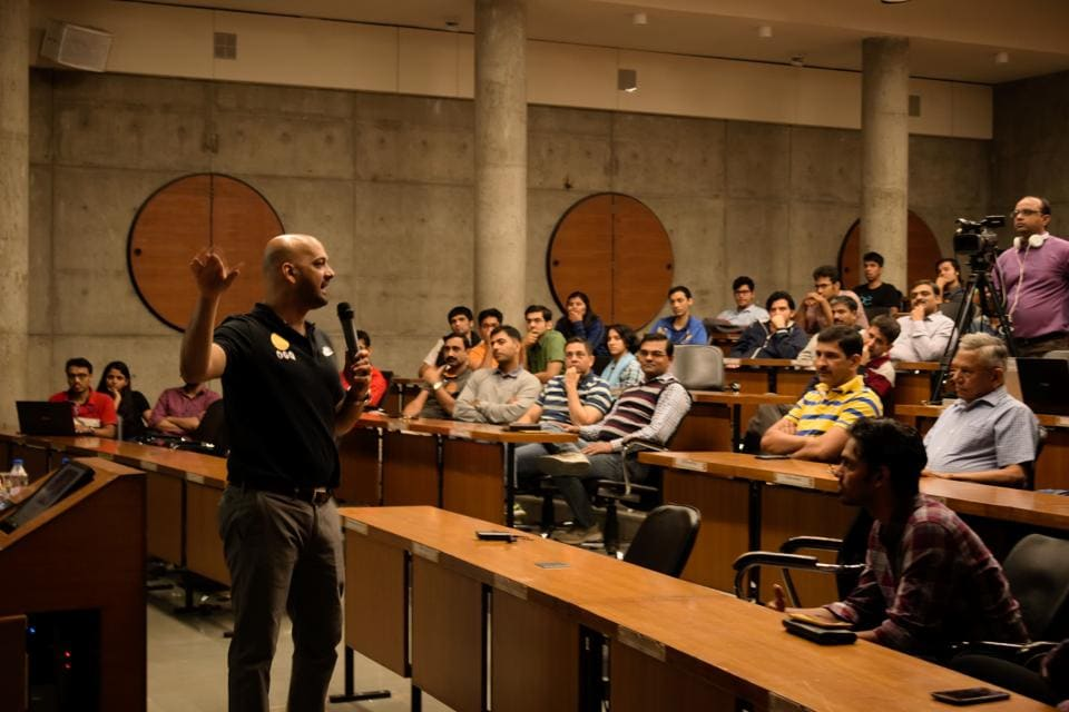 Former captain of the Indian hockey team Viren Rasquinha talks to students at IIM Ahmedabad as part of the How to Start a Startup (HTSAS) 2.0 series.