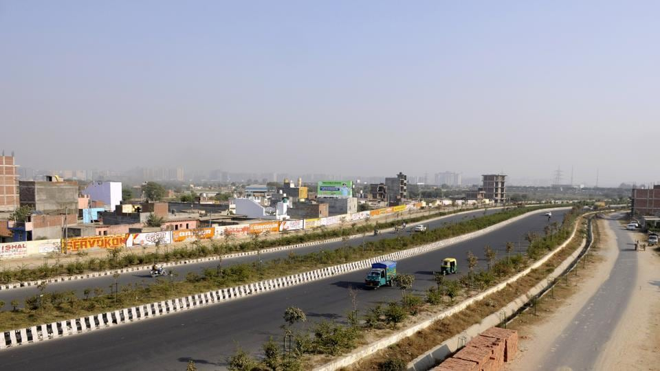 The FNG Expressway is a part of the Eastern Peripheral Expressway (EPE). It was aimed at decongesting Delhi, as this road would help commuters reach Faridabad and Ghaziabad without entering Delhi.