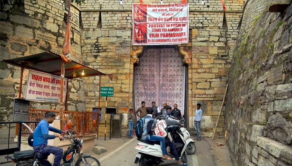 Protestors closed down the historic gate of the Chittorgarh fort, denying tourists entry into the complex on Friday while demanding a ban on the upcoming movie 'Padmavati'