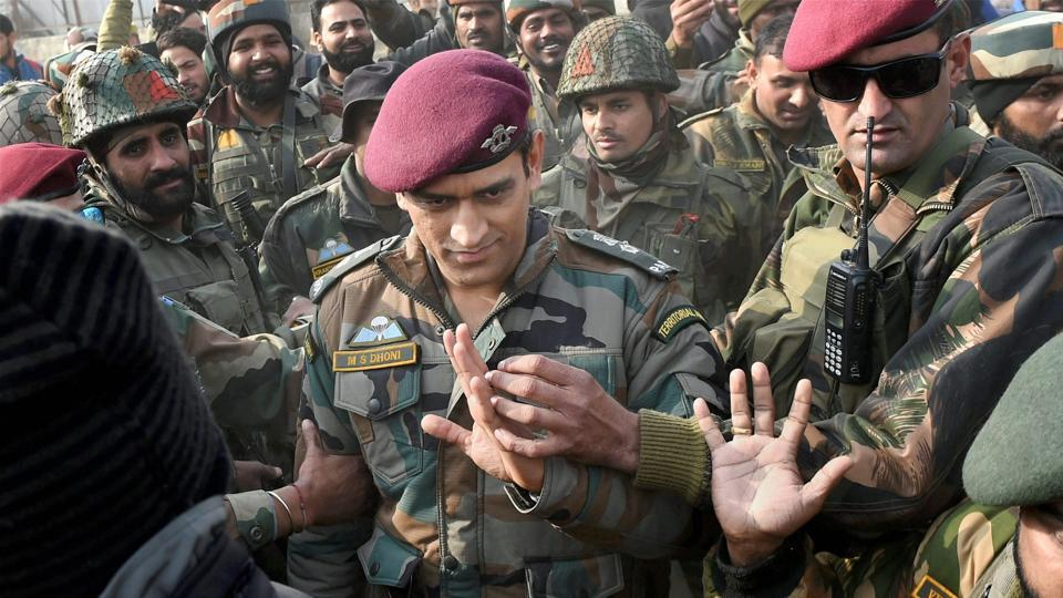 MSDhoni was greeted with chants of 'Boom Boom Afridi' when he was the chief-guest of an army-sponsored cricket tournament in the Kashmir valley.