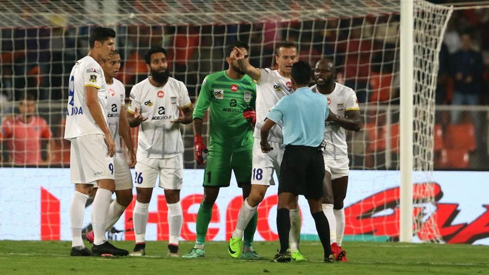 With a quarter of an hour left to play, Pune were awarded a penalty. (ISL)
