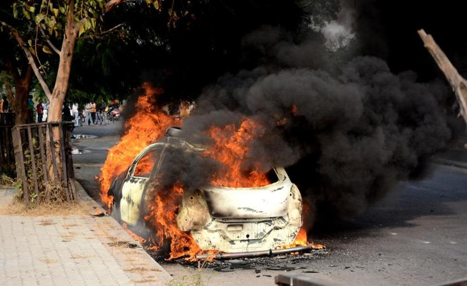 Fire,Car catches fire,Accident