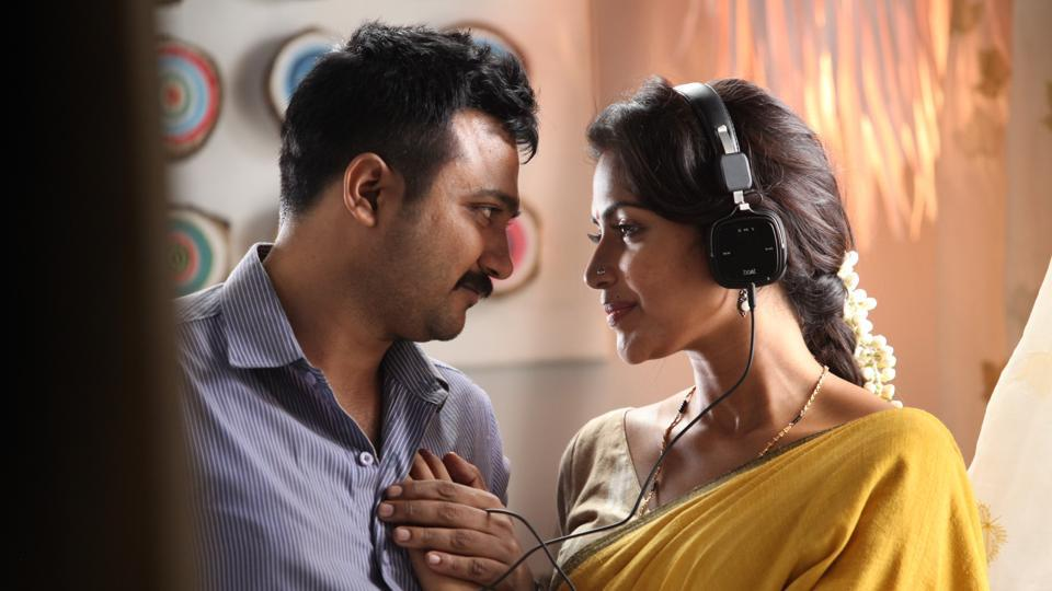 Thiruttu Payale 2 movie review: Bobby Simha plays the role of a cop, while Amala Paul is cast as his wife.
