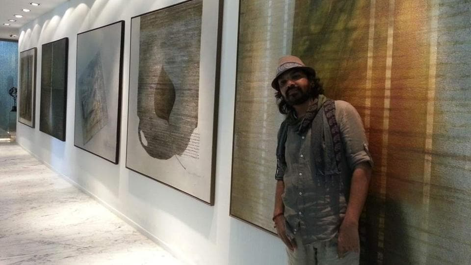 The Monalisa Kalagram is bringing art lovers of Pune a double visual treat- renowned artist Zen Vartan's exhibition of Zen paintings- work of a no mind.