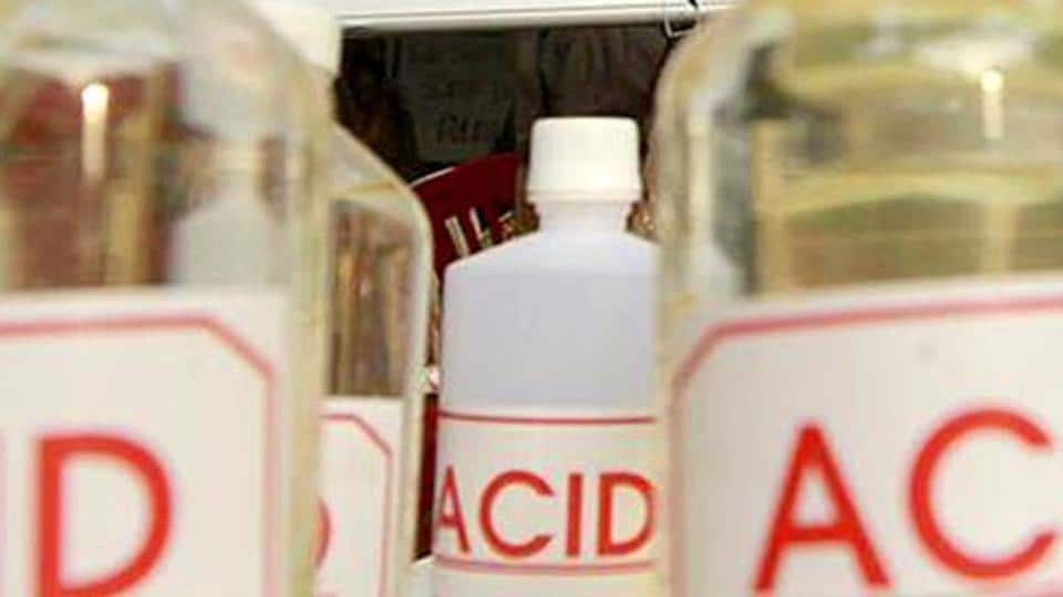 A woman in Telangana  succumbs to burn injuries after an alleged spurned lover attacked her with acid.