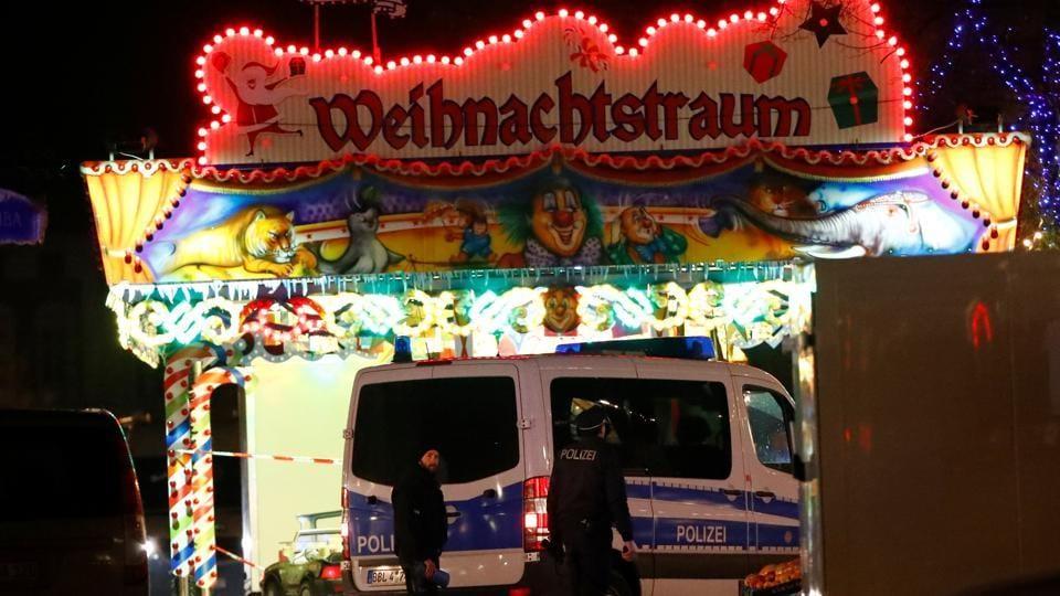 German Christmas market,Bomb scare in Potdam