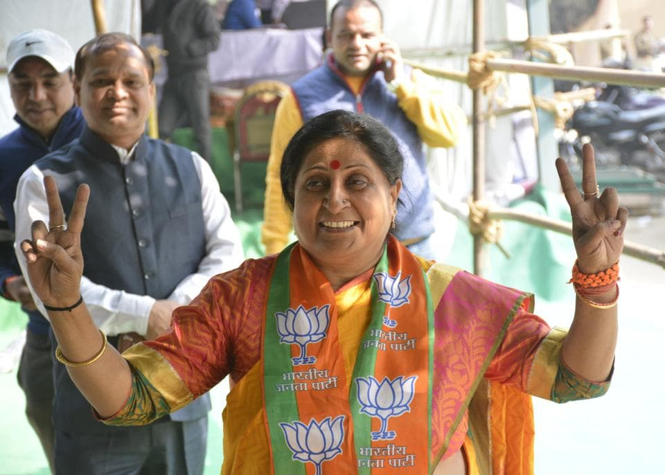Asha Sharma flashes the victory sign after being elected Ghaziabad mayor on Friday.