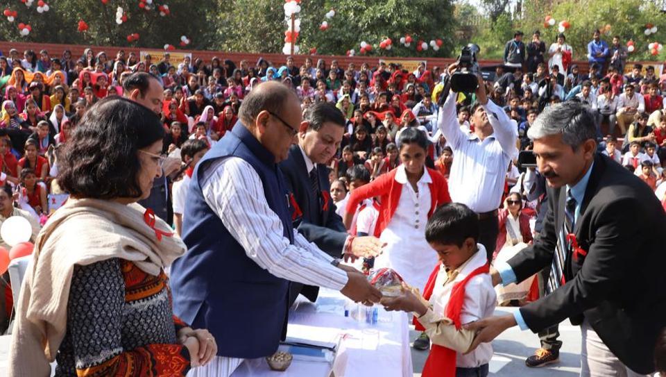 66,000 HIV+ people,Kali Charan Saraf