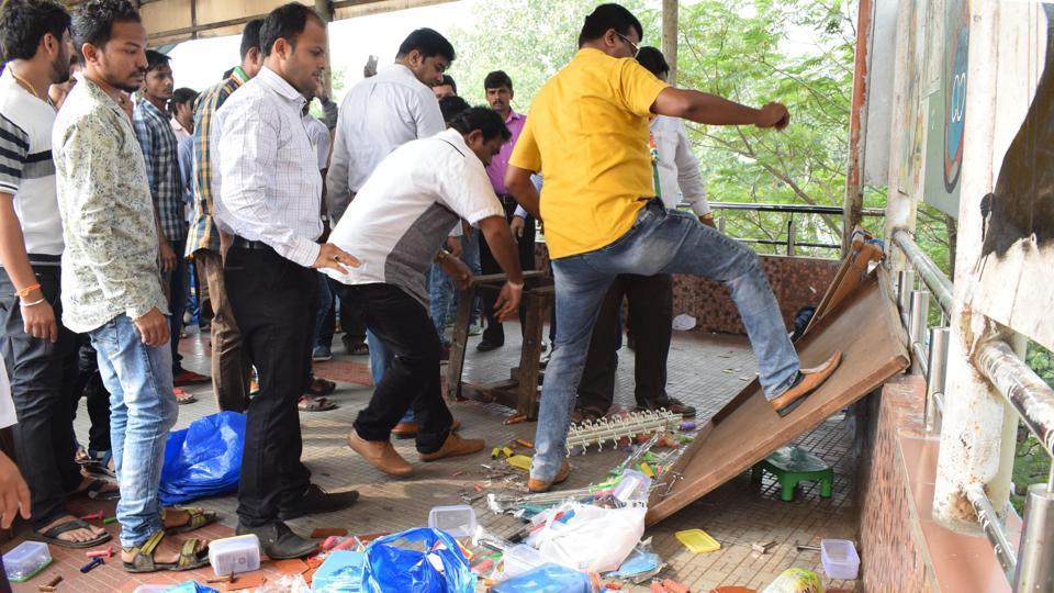 Raj Thackeray,MNS,Sanjay Nirupam