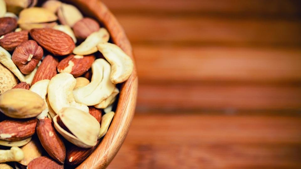 Nuts,Nuts for health,Nuts heart disease