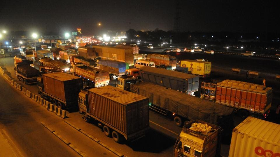 In a recent review meeting of the GRAP, authorities had pointed out the problems they had in sending trucks back from the border.